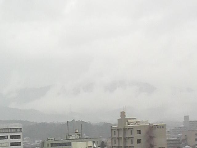 山から雲が昇ってました~